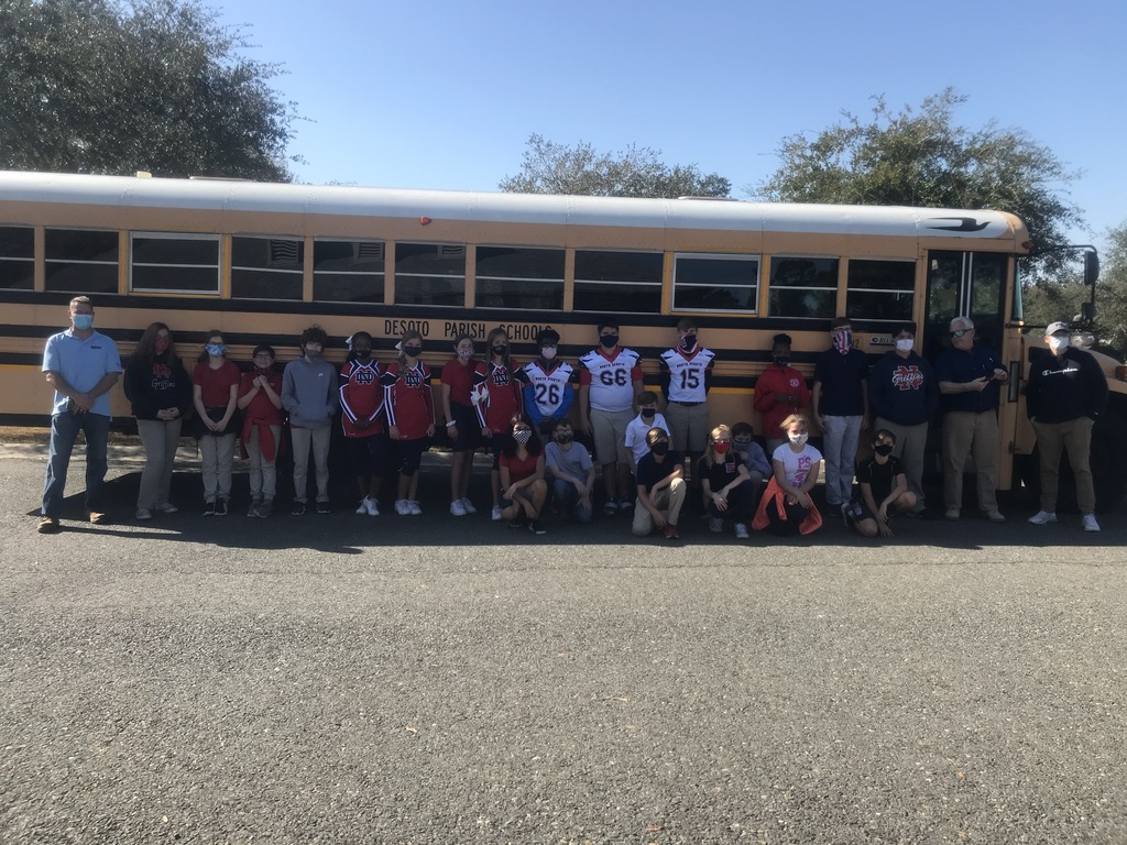 Mrs. Howe's homeroom going on the Veteran's Day field trip